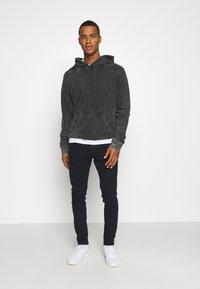 Tigha - Sweatshirt - black - 1
