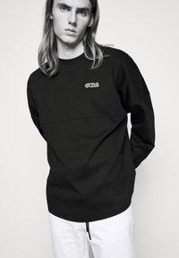 GCDS - ROUND LOGO TEE - Long sleeved top - black - 4