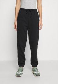 Pieces - PCCHILLI PANTS - Pantalones deportivos - black - 0