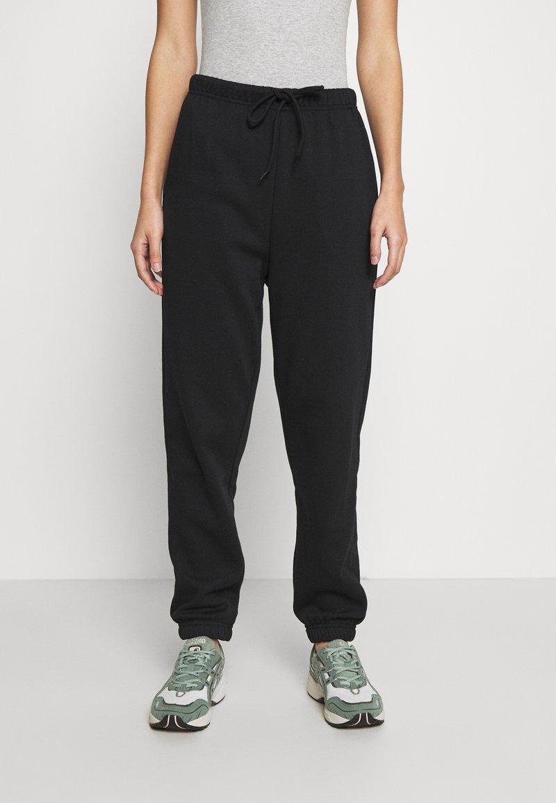 Pieces - PCCHILLI PANTS - Pantalones deportivos - black