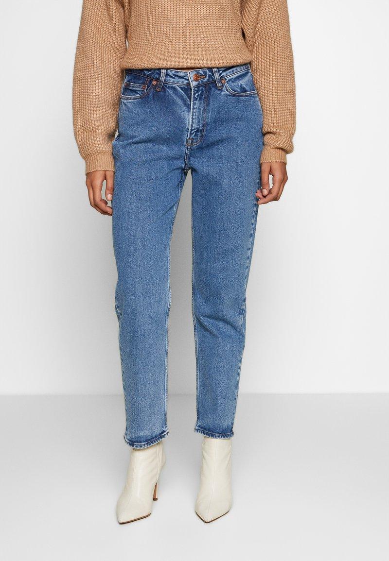 Samsøe Samsøe - MARIANNE - Relaxed fit jeans - light ozone marble