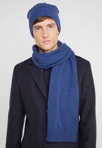 BOSS - BEANIE BASIC - Bonnet - open blue - 1