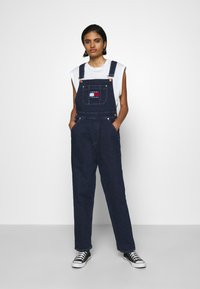 Tommy Jeans - DUNGAREE - Dungarees - oslo dark blue com - 0