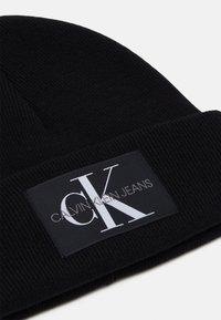 Calvin Klein Jeans - BEANIE UNISEX - Čepice - black - 2