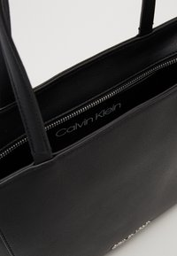 Calvin Klein - MUST - Torebka - black - 5