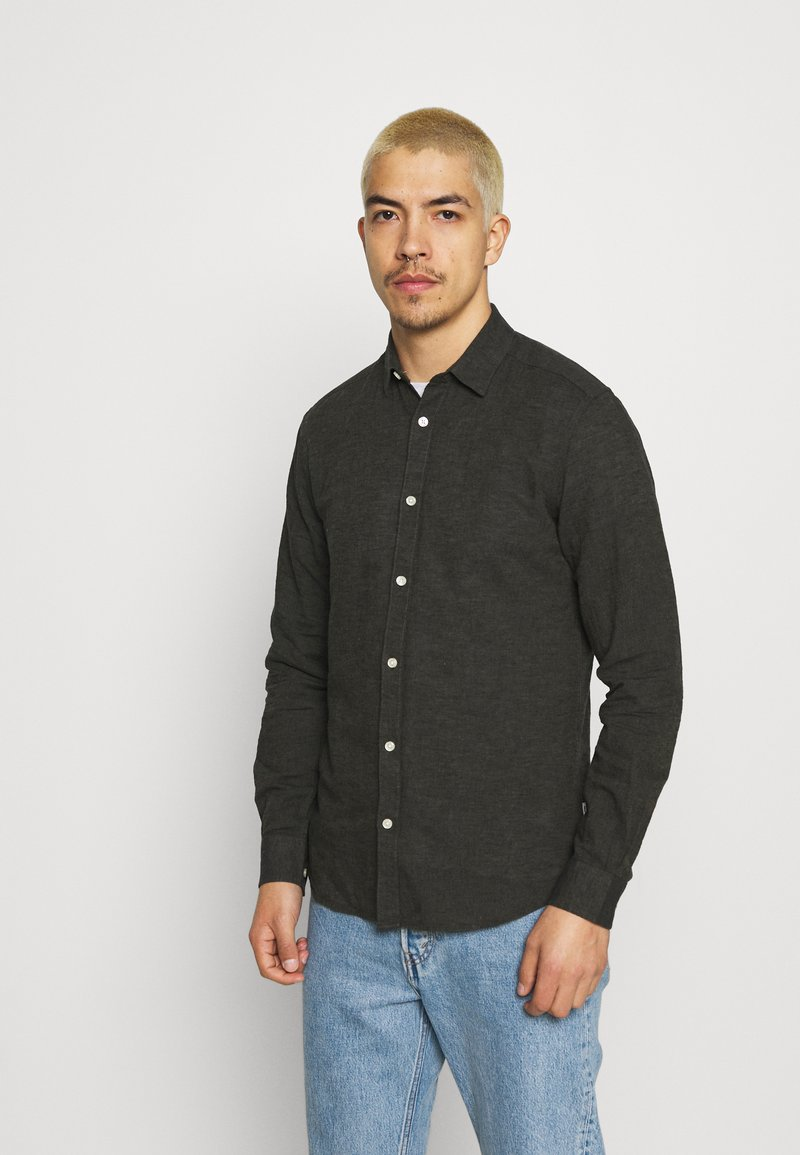Only & Sons - ONSCAIDEN SOLID - Skjorta - olive night