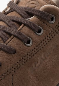 Scarpa - MOJITO URBAN GTX - Zapatillas de senderismo - chocolate - 5