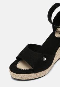 Pepe Jeans - MAIDA BASS - Platform sandals - black - 7