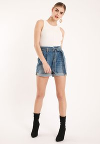 Pimkie - MIT HOHEM BUND - Denim shorts - blue denim - 1