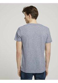TOM TAILOR DENIM - Print T-shirt - navy white yd melange stripe - 2