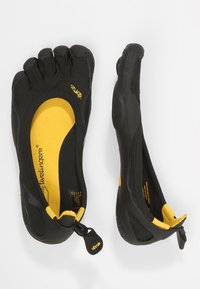 Vibram Fivefingers - CLASSIC - Minimalist running shoes - black - 1