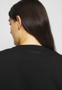 KARL LAGERFELD - RHINESTONE SIGNATURE - Sweatshirt - black - 3
