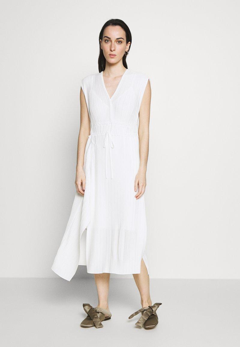 3.1 Phillip Lim - VNECK MUSHROOM PLEATED DRESS - Denní šaty - white