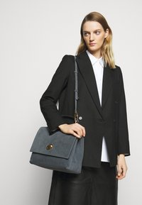 Coccinelle - LIYA - Handbag - ash grey - 0
