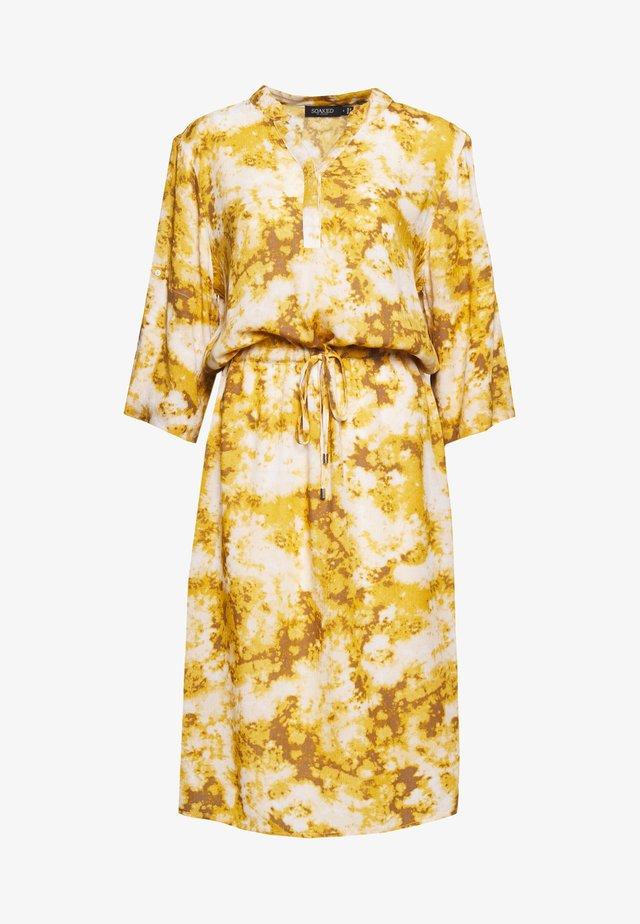 ZAYA DRESS - Vestido informal - gold