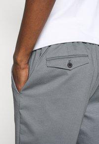 Selected Homme - SLHPETE STRING CAMP - Shorts - light grey melange - 4