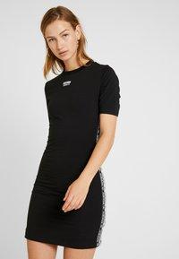 adidas Originals - TEE DRESS - Vestido de tubo - black - 0