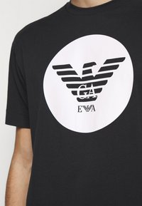 Emporio Armani - Print T-shirt - black - 6