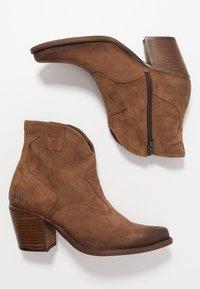 Felmini Wide Fit - LAREDO - Cowboy/biker ankle boot - tan - 3