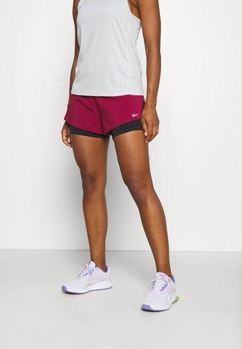 RUN SHORT - Sports shorts - punch berry
