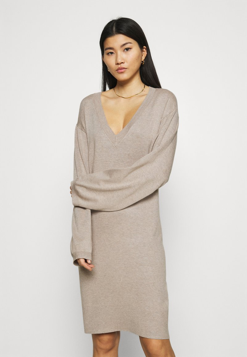 Zign - Strikket kjole - dark brown