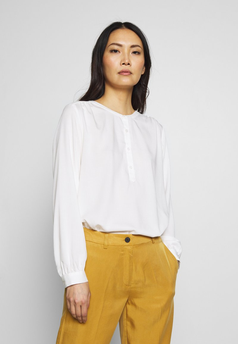 mine to five TOM TAILOR - BLOUSE FLUENT  - Bluse - whisper white