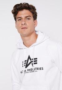 Alpha Industries - Hoodie - white - 3