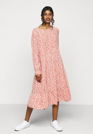 PCMAGGI MIDI DRESS - Kjole - baked apple