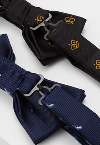 Burton Menswear London - CROWN&WASP 2 PACK - Pajarita - black - 2