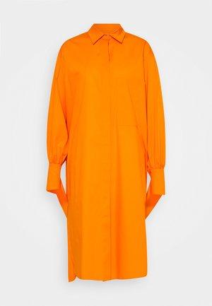 KEONA CTHIN - Shirt dress - orange