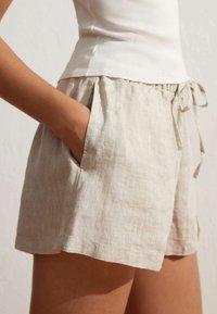 OYSHO - Shorts - beige - 2