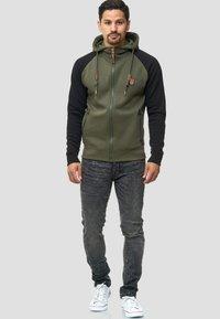 INDICODE JEANS - ARBUTUS - Zip-up hoodie - army - 1