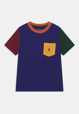 T-shirt print - fall royal multi