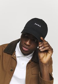 Nike Sportswear - UNISEX - Caps - black/white - 1