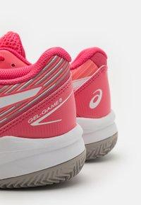 ASICS - GEL GAME 8 CLAY - Tenisové boty na antuku - pink cameo/white - 5
