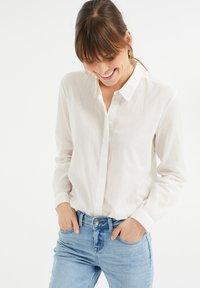 WE Fashion - Button-down blouse - white - 0