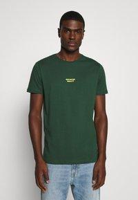 YOURTURN - T-shirt print - dark green - 0