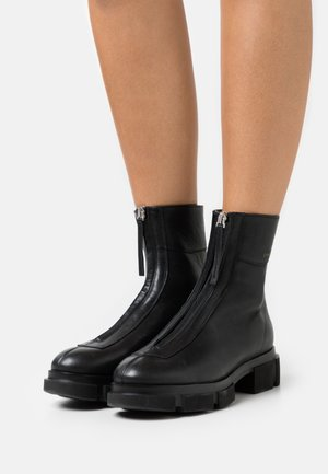CPH525 - Classic ankle boots - black
