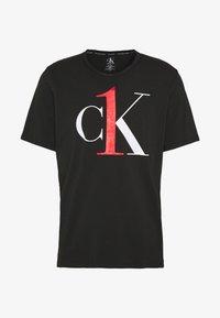 ONE GRAPHIC TEE CREW NECK - Pyjama top - black