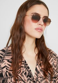 Ray-Ban - Sonnenbrille - pink gradient brown - 3