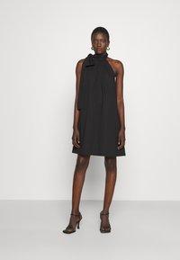 MICHAEL Michael Kors - HALTER TIE NECK DRESS - Koktejlové šaty/ šaty na párty - black - 1