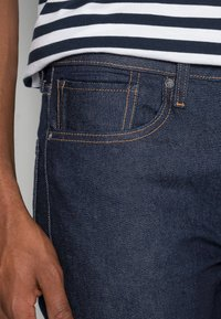 Levi's® Made & Crafted - LMC 502™ REGULAR TAPER - Straight leg jeans - lmc resin rinse stretch - 4