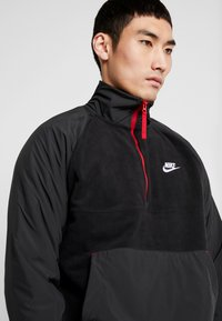 Nike Sportswear - WINTER - Fleecetrøjer - black/off noir/gym red/white - 4