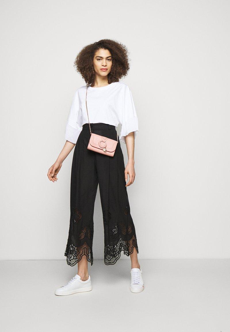 See by Chloé - HANA Hana phone wallet - Clutch - fallow pink