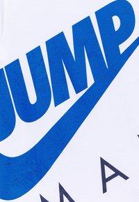 Jordan - JUMPMAN STREET TEAM - Print T-shirt - white - 2