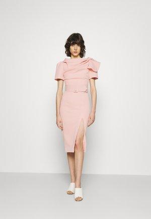 THE DAY BREAK DRESS - Etuikjole - pink