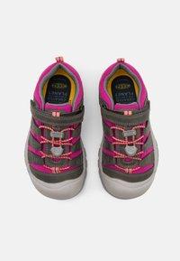 Keen - NEWPORT SHOE UNISEX - Hiking shoes - grey/very berry - 3