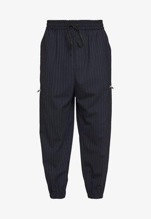 CARGO TRACK PANT - Pantaloni sportivi - navy pinstripe
