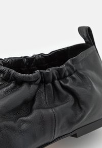 3.1 Phillip Lim - ROUCHED  - Instappers - black - 6