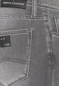 Armani Exchange - Džíny Slim Fit - grey denim - 6